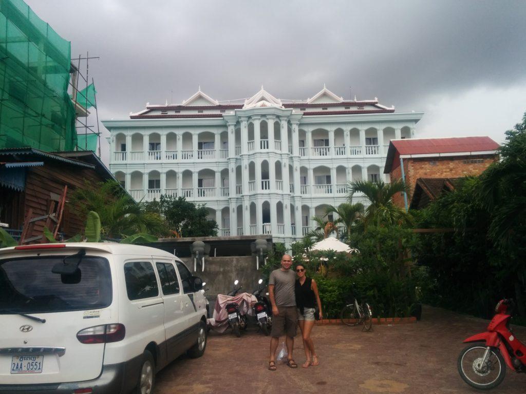 10_hotel_jason_Becca