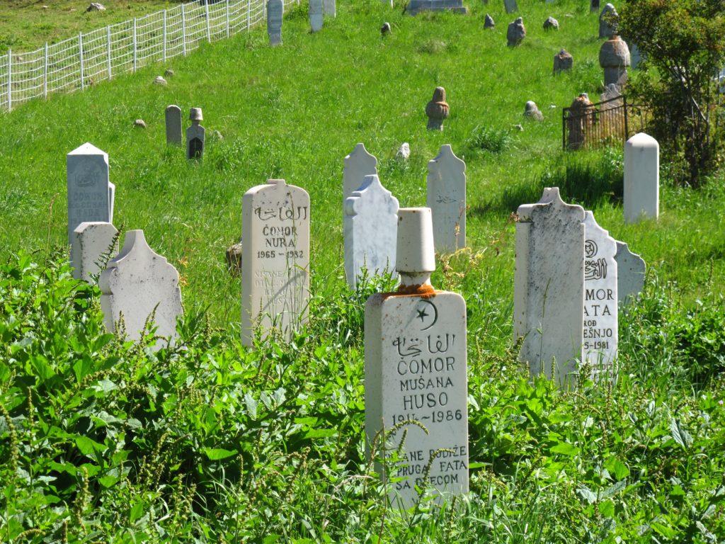 74_arabic_graves