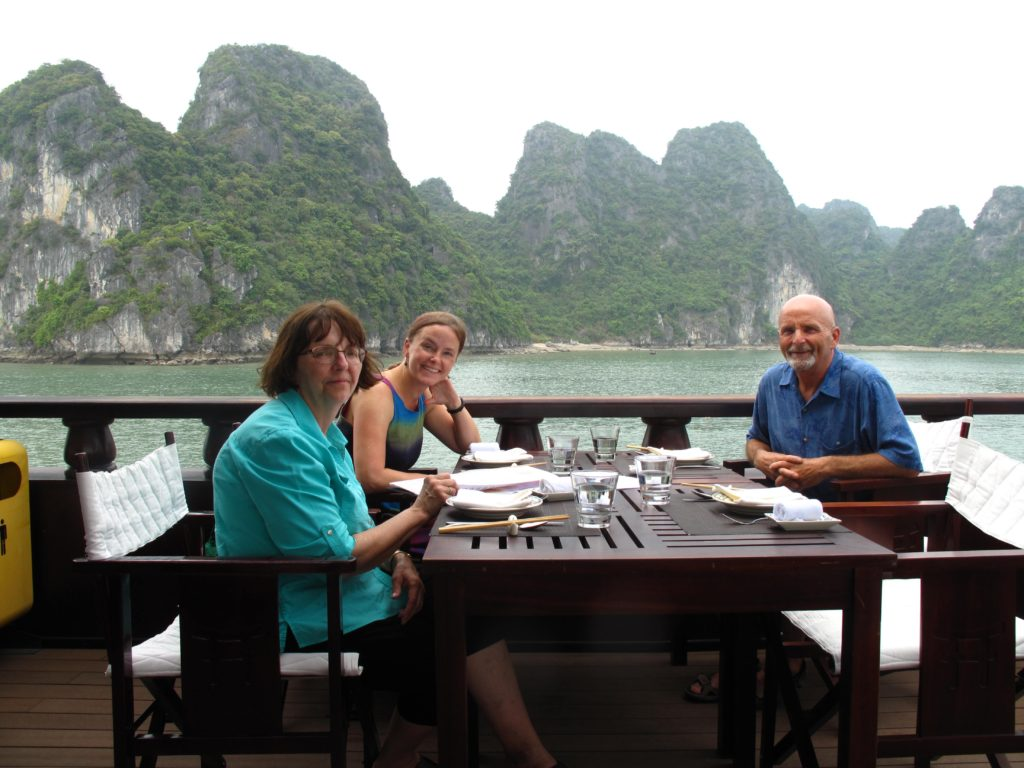 60_welcome_to_halong_bay