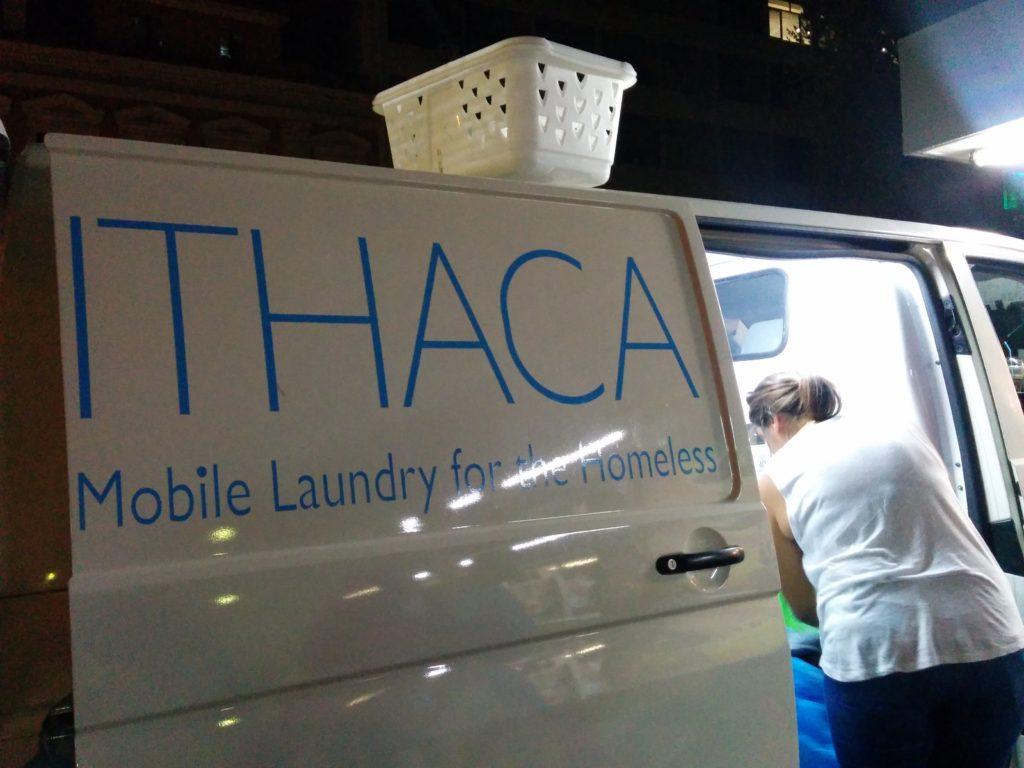 26_img_20160918_laundrytruck